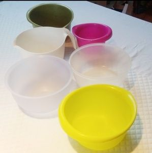 Plastic baking bowls